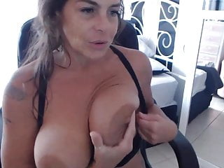 Sexy feminie goddess Im sexy milf goddess with huge natural boobs