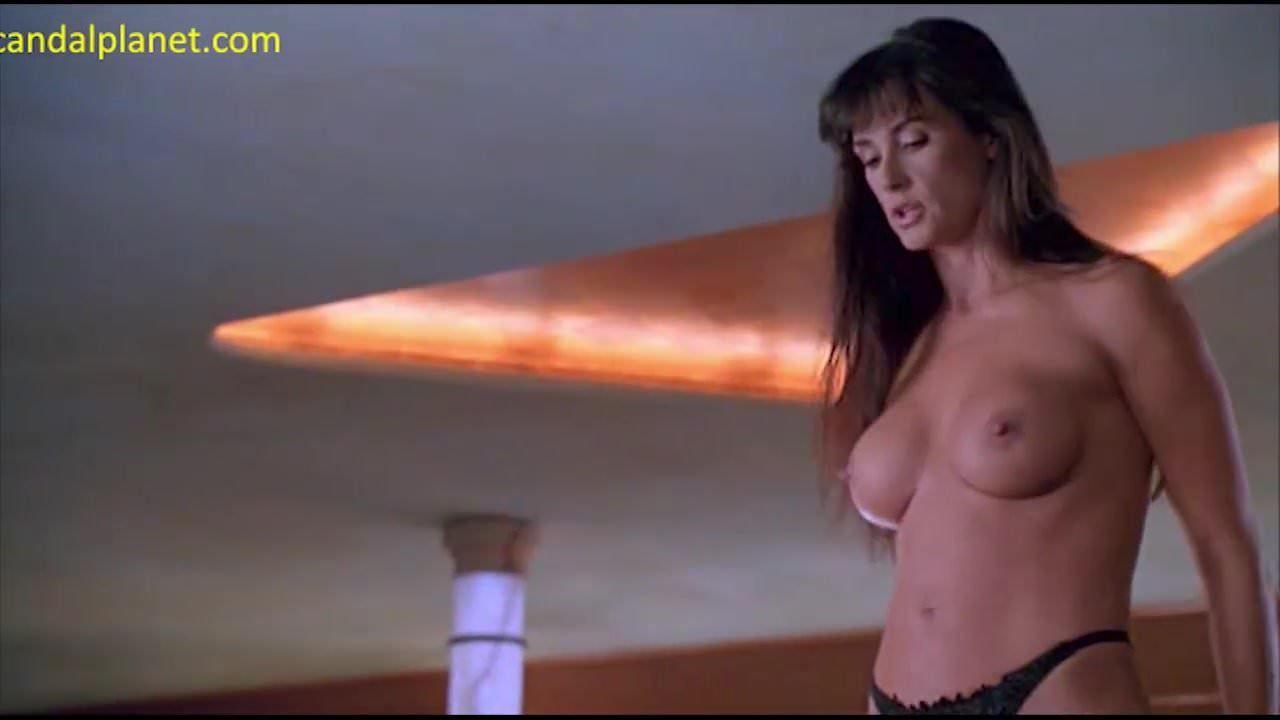 Actrices Porno Negras Años 90 demi moore nude boobs in striptease movie
