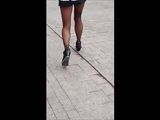 Black woman pantyhose galleries - 7 woman with sexy legs in shorts and black pantyhose