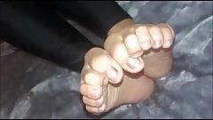 Tania (nowy model) porusza swoimi seksownymi (rozmiar 37) stopami