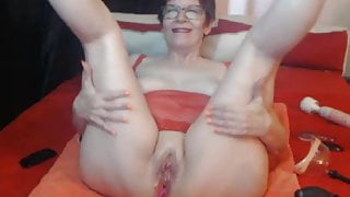 Horny mature woman Miss squirtt