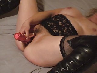 Swallow cum easy Mature wife cums easy with her new toy
