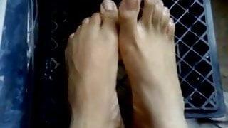 MF Size 15 Feet (ManFeet)