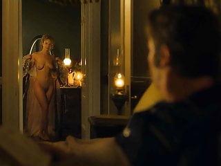 Joanna vanderham nackt