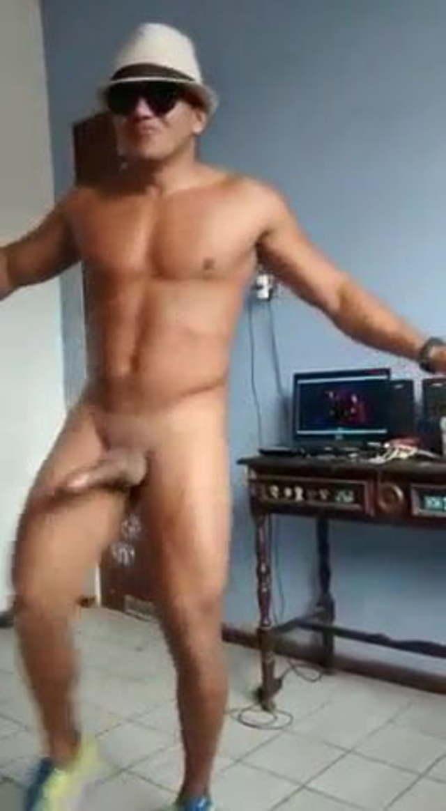 Голый Энрике Иглесиас Парни Ню