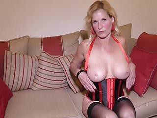 Live feeds sex British housewife molly maracas feeding her cunt
