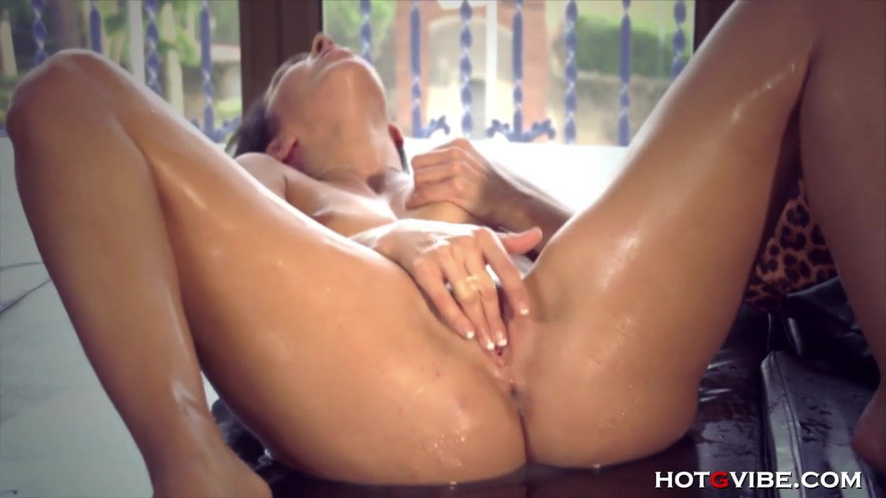 Girl Squirts During Sex