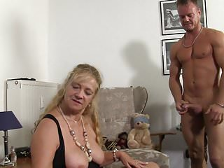 Xxx threesome videos Xxx omas - german mature gets fucked hard in threesome