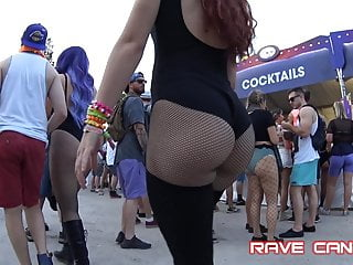 Milf hot red head Candid hot red head pawg in black