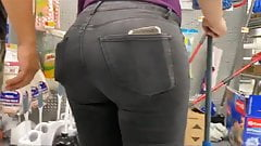 PAWG candid Donk