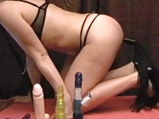 Using her vibrator - Francesca use her vibrator