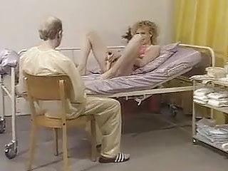 Doktor medikal fetish Spezialklinik frau doktor kukumber