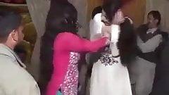 Обнаженный пакистанский танец