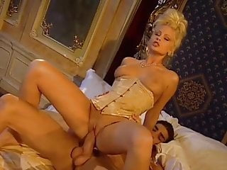 Romance xxx 1999 - The kings musketeers 1999