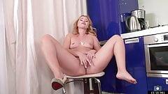 35 yo Single Russian Mommy Maya Konovalenko aka Nancy Acty