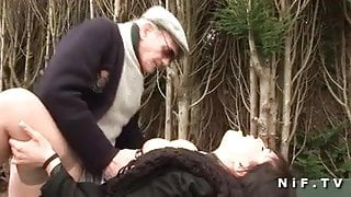 BBW Arab anal fucked on the car in 3some with GrandPa