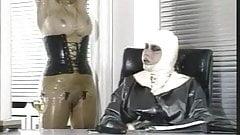 Viola Gummiklinik Frau Dr. Monteil Teil 2