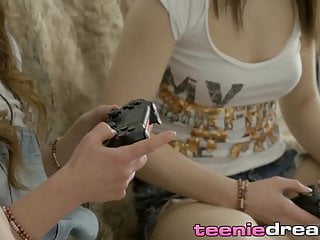 Free online sex games for two - Two adorable teenagers enjoy lesbian sex after video games