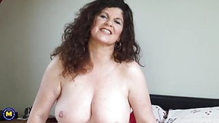 Sexy curvy mature stepmom with big tits and ass