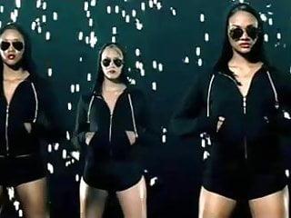 Im a hustler jay z Rihanna ft. jay-z - umbrella
