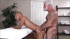 Silver barbeback massage BEST off