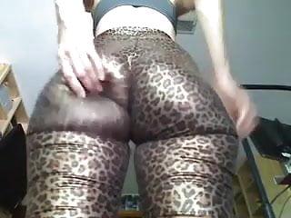 Cheetah girls boobs Mistress stormy flexing in cheetah leggings