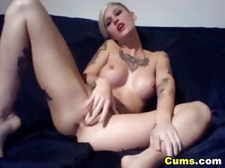 Granny cums on hidden camera Big tits tattoed babe reaches climax hd