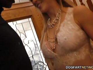 Chery sex Cherie deville gives blowjob to a group of black guy