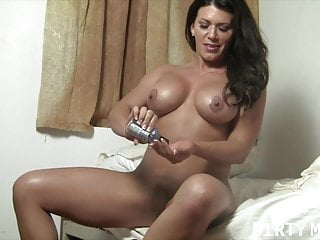 Leena hentai - Leena and her big black dildo
