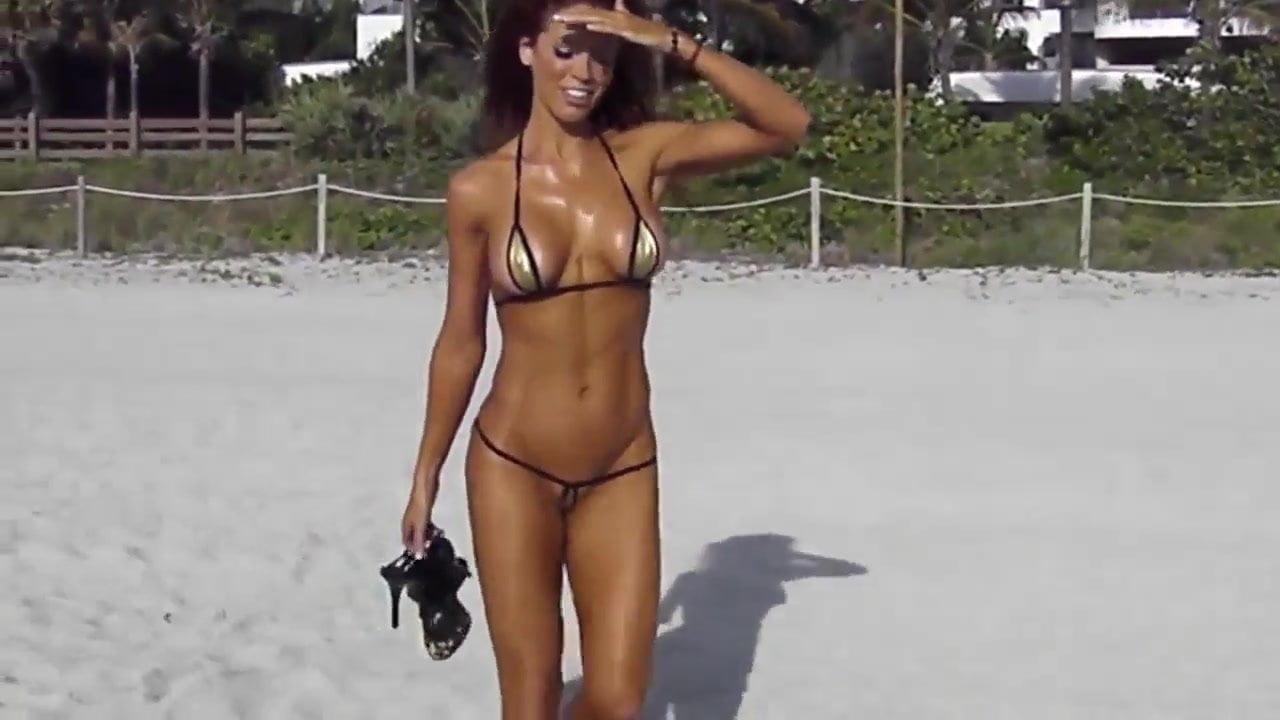 Ebony Naked Twerking Public