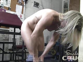 Naked girls doing gym - Naked milf creamy pussy in the gym
