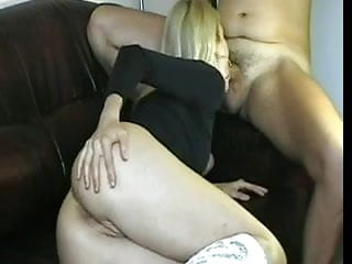 Does anal sex hutt Wife does anal sex her ass looks so nice