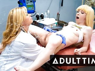 Lesbian Squirts Galore with Kenzie Reeves - ADULT TIME