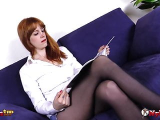 Pantyhose sex fetish videos Redhead masturbating in pantyhose while taking a shower