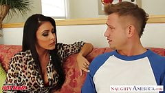 Brunette mom Jessica Jaymes gets facial jizzed