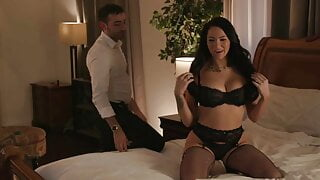 Blindfolded MILF Gets A Fresh Perspective
