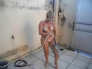 Gay histoire sous la douche Sous la douche