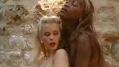 Gina salvaje interacial lesbo