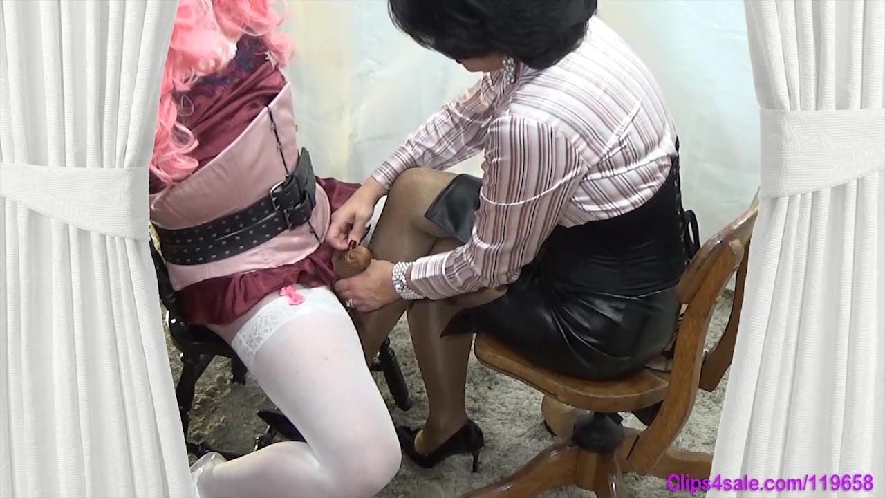 Launa recommend Busty indian gallery