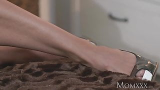 MOM Toned and tanned model has intense orgasm