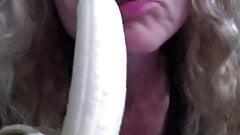 GIRL SUCKING BANANA, WISHING IT WAS A HARD COCK PT 3