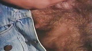 Horny Construction Worker Bears Suckin