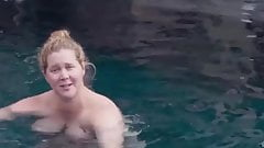 Amy schumer grávida e completamente nua