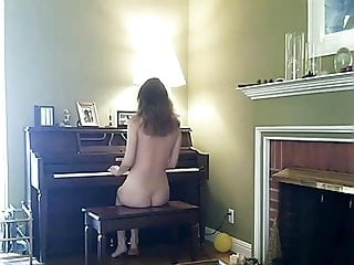 Nba player naked greg oden Naked piano player