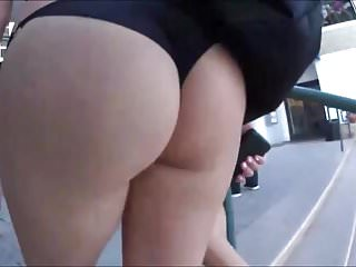 Pigtails round asses - Round asses in thongs