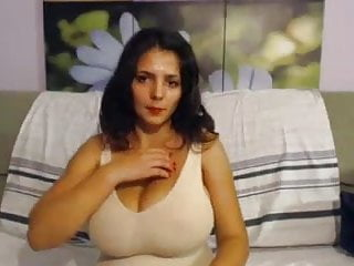 Nude webshow 24y girl with huge tits do a webshow for me