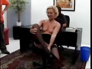 Sex in 1700 s Mature woman s first gangbang 1...f70