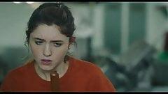 Natalia dyer - sim, deus sim (2019)