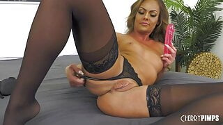 Hot Blonde MILF Loves Showing off in a Thong Live