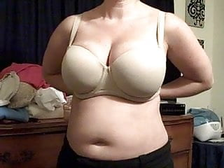 Free huge boob - Boobs being set free
